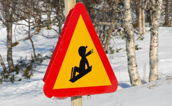 winter sledding sign_9862