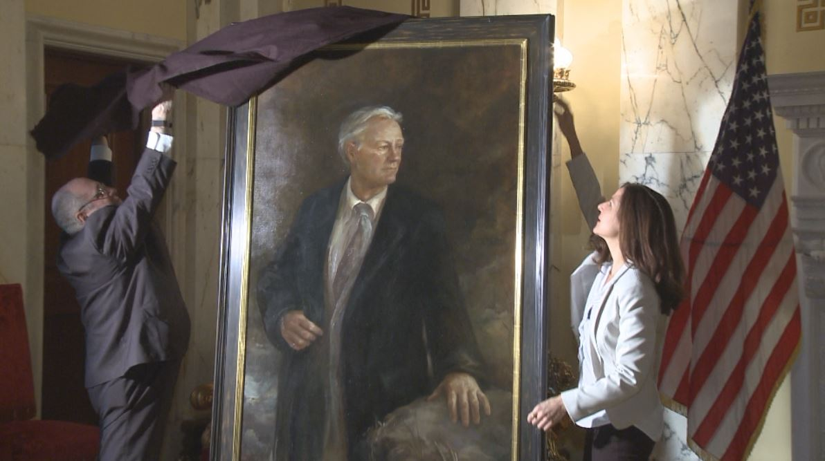 providence-lincoln-chafee-official-portrait-unveiled_115389