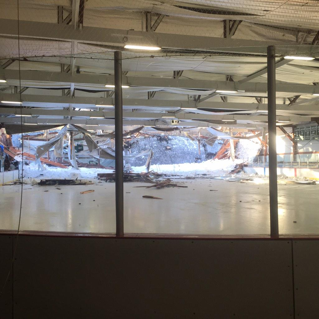 rink-collapse_150463