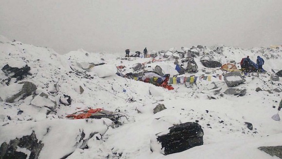 344395-deadly-avalanche-on-mt.-everest-995e1_167058