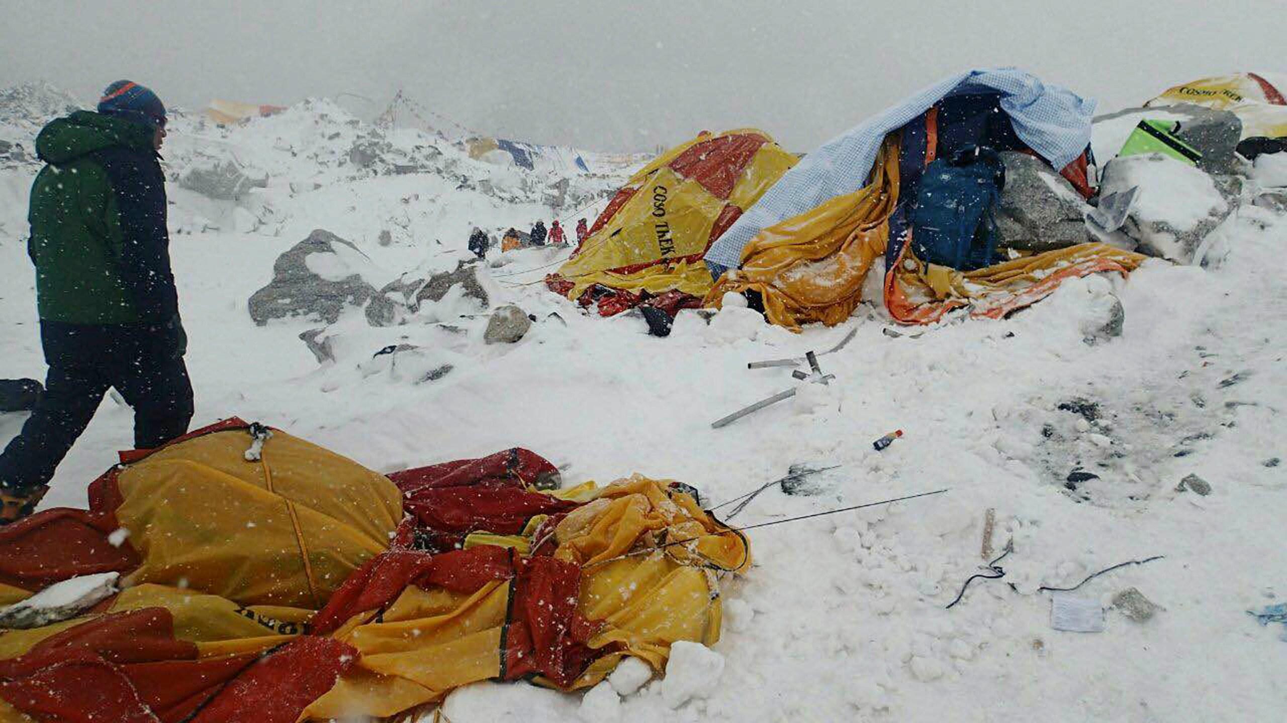 Nepal Earthquake Avalanche_167057