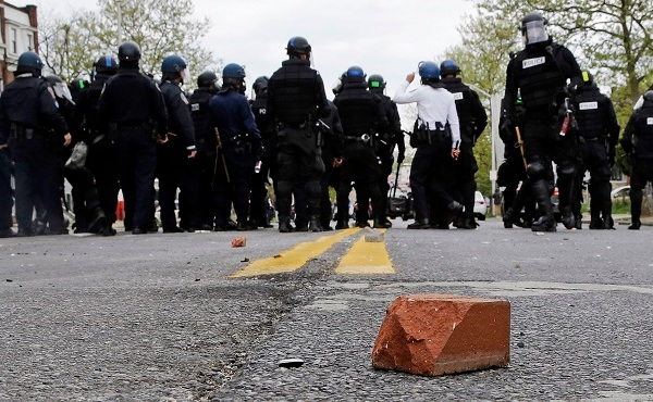 Suspect Dies Baltimore_167554