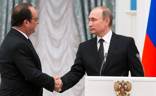 Vladimir Putin, Francois Hollande_231706