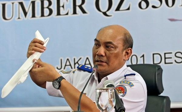 Indonesia AirAsia Crash_232441
