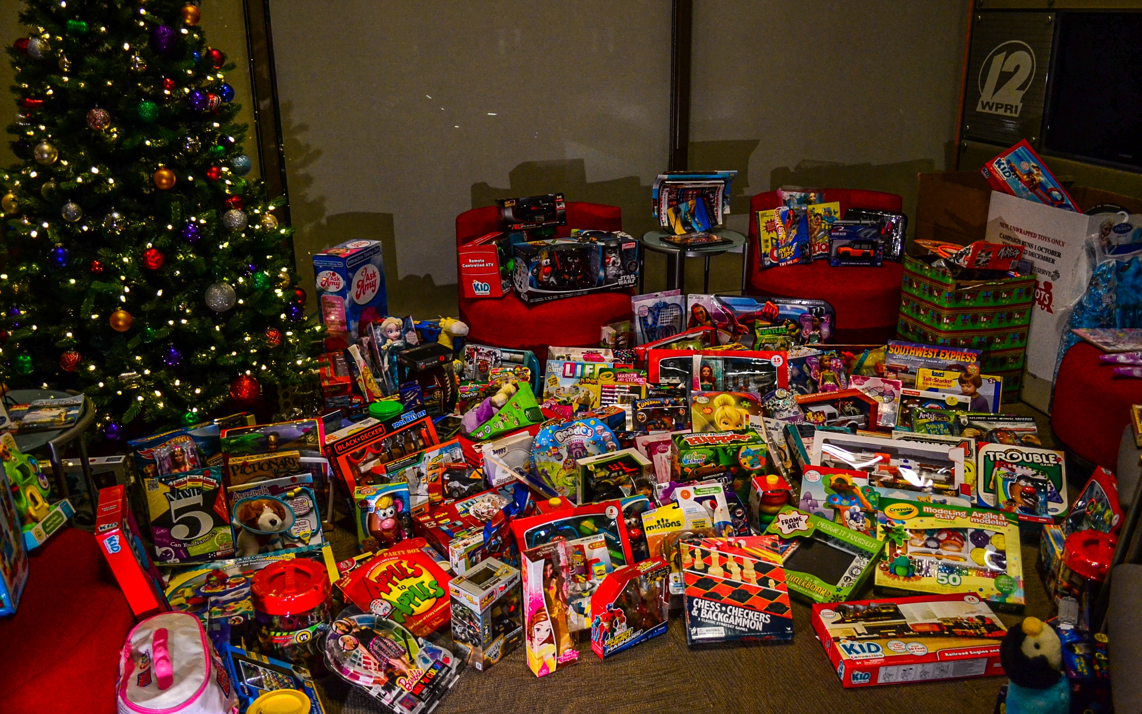 WPRI-12 receives surprisingly large 'Toys for Tots' donation_236028