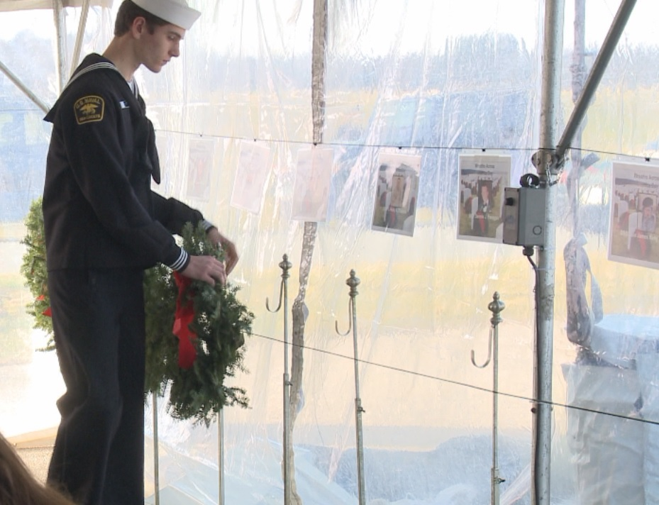 Nearly one million wreaths laid at veterans graves across the country_236003