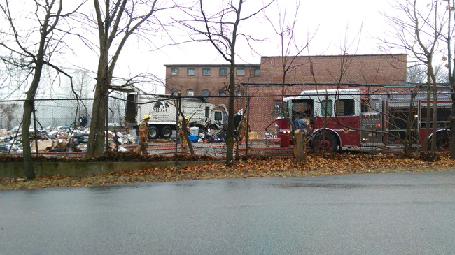 woonsocket garbage truck fire_237322