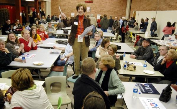 AP Iowa Caucus 2008 crop_250332