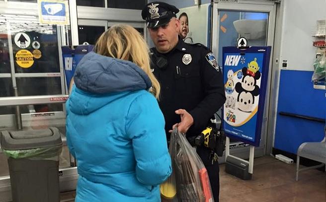 seekonk officer helps homeless woman_257681