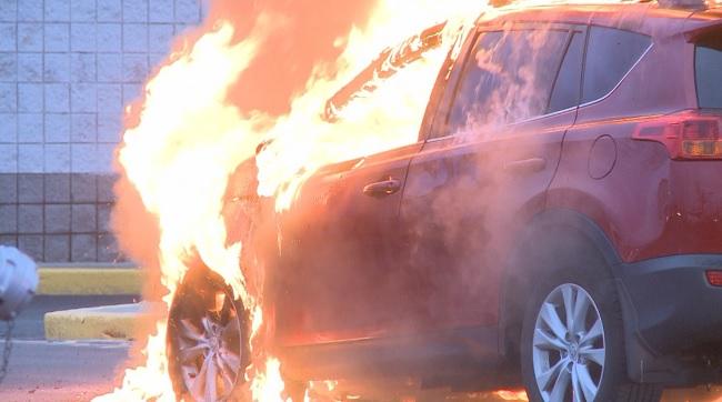 seekonk car fire_272901
