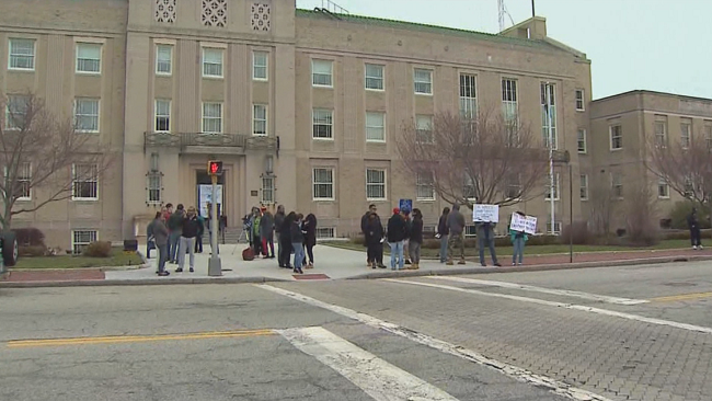 pawtucket police shooting protest_287324