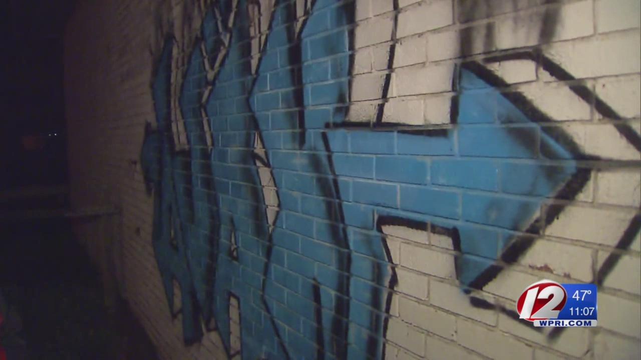 ajax tiverton gas station graffiti_300031