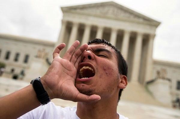 Supreme Court Immigration_320735