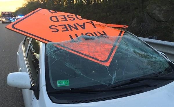 Wrentham sign into car_320219