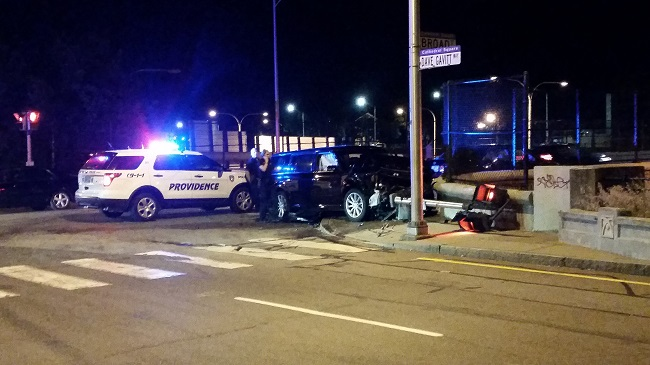 Car Crashes Into Traffic Signal On Broad Street