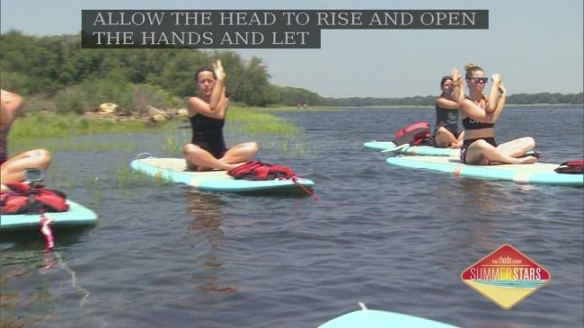 paddleboard yoga_343498