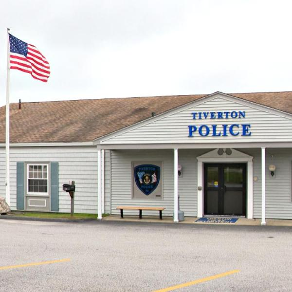 tiverton-police_363678