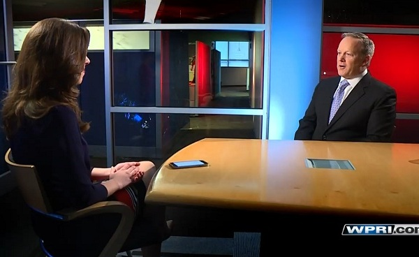 Eyewitness News reporter Kim Kalunian interviews Sean Spicer_399606