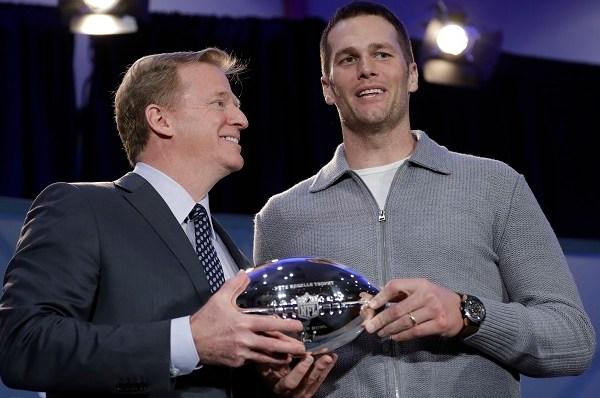 Patriots Falcons Super Bowl Football_418912
