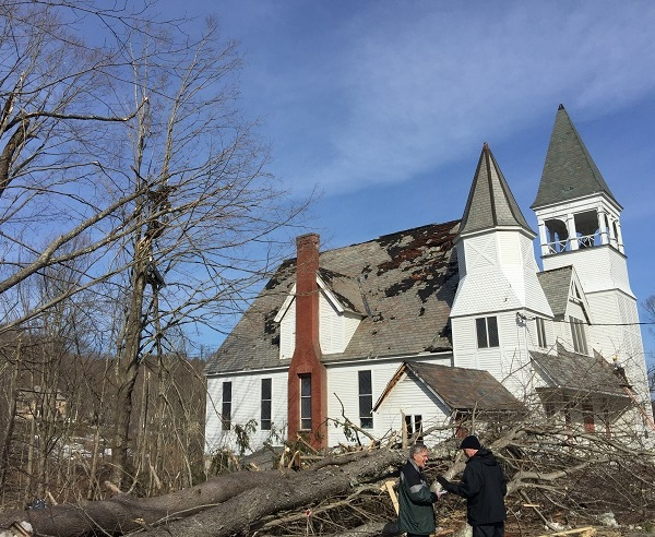 conway-mass-tornado-home-some-damage_432875