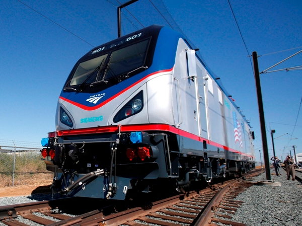Generic Amtrak train_257118