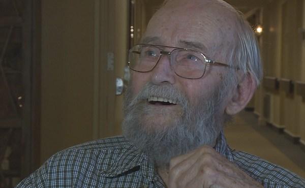 World War II veteran - Pearl Harbor survivor Clint Baer_435944