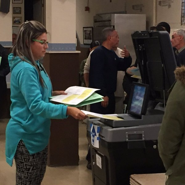 Voters cast their ballots in Pawtucket on Election Day 2016_380930