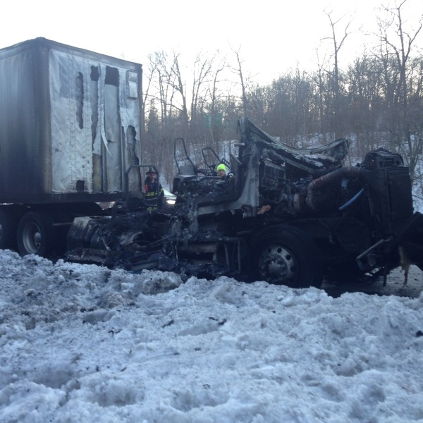 Smithfield tractor trailer fire_444588