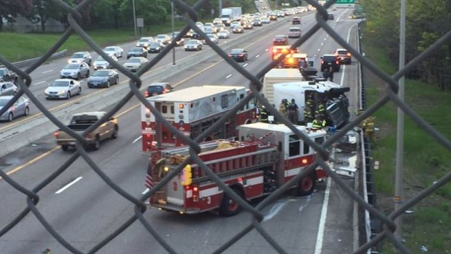 Tractor trailer crash - I-95 Providence_478426