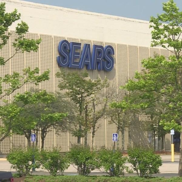 Sears To Close At RI Mall