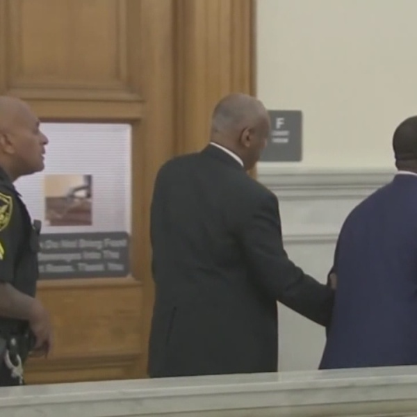 Cosby jury deliberations deadlocked