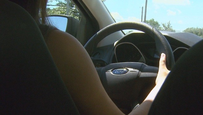 Teen driving_350665
