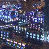 lincoln-twin-river-slot-machines-main-gaming-floor_181024