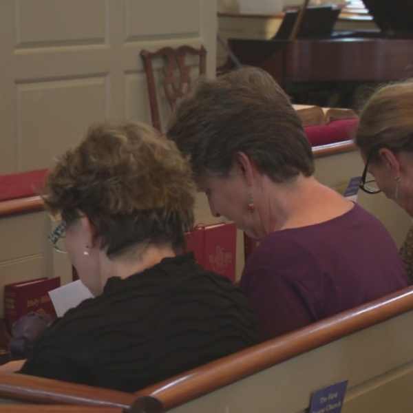 Memorial service remembers 1,200 opioid-related deaths in RI_506620