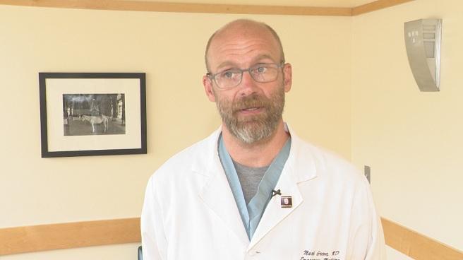 Dr. Mark Greve, a clinical associate professor of emergency medicine at Brown University_521612