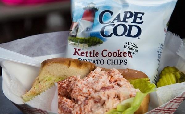 cape cod potato chips lobster roll_517282