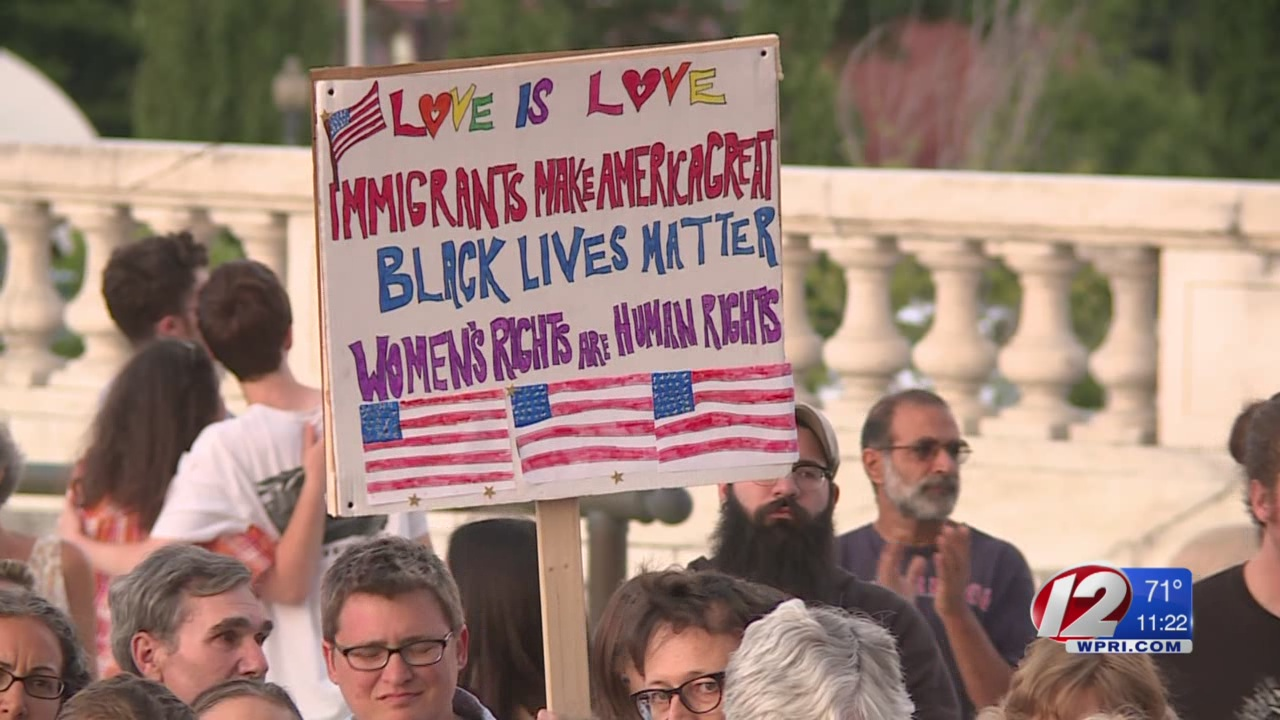 Charlottesville rally draws hundreds to State House