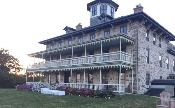 Stone House Inn in Little Compton_522411