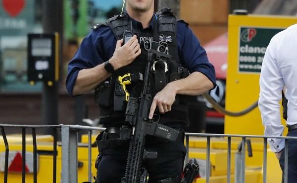 london police resized_552403