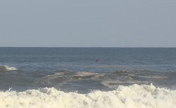 narragansett-town-beach-rescue_542738