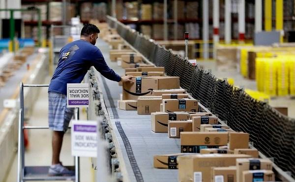 Amazon Warehouse Job Fair_526214