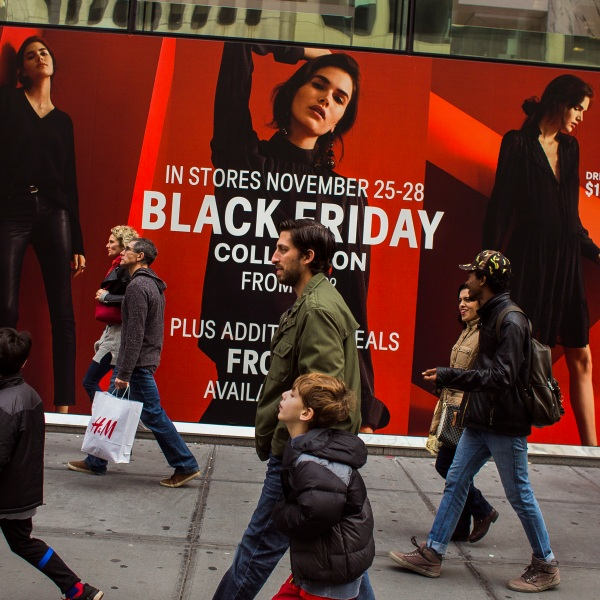 APTOPIX Holiday Shopping Black Friday_594142