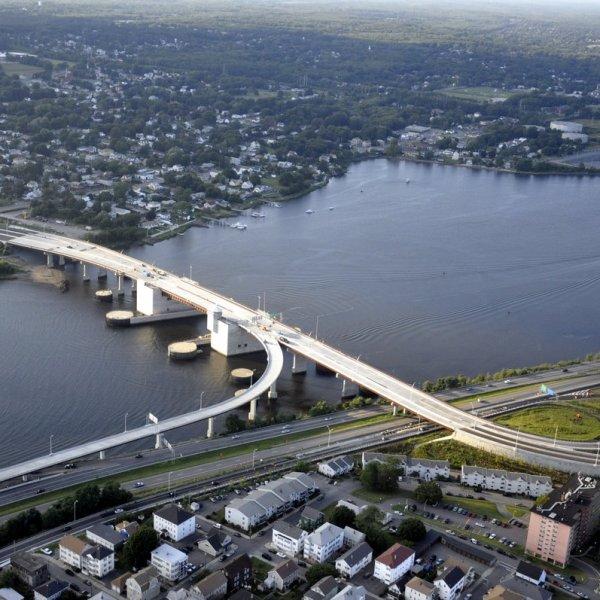 Fall River Veterans Memorial Bridge Aerial September 2011_590747
