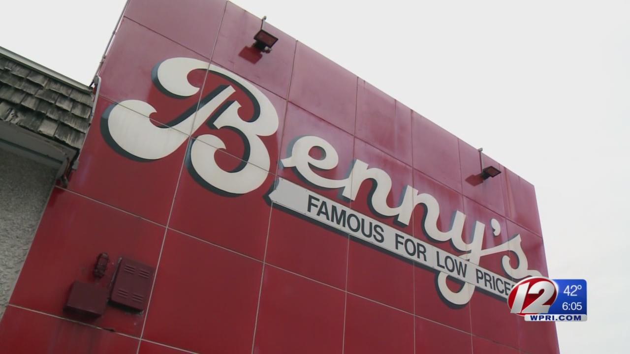 Benny's store_597778