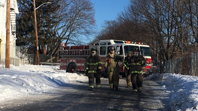 011618-cold-firefighters_617425