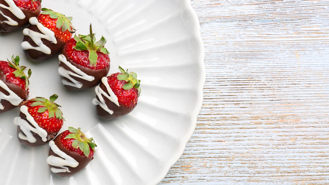chocolate-covered-strawberries-recipes_1516397866083_334839_ver1-0_32155425_ver1-0_640_360_626586