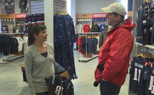 Patriots fan Joyce Davis of Alaska_621734