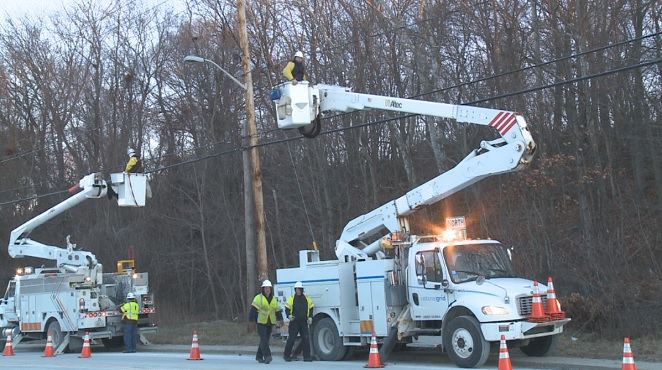 cumberland-national-grid-freezing-restore-power-1-8-2015_512426