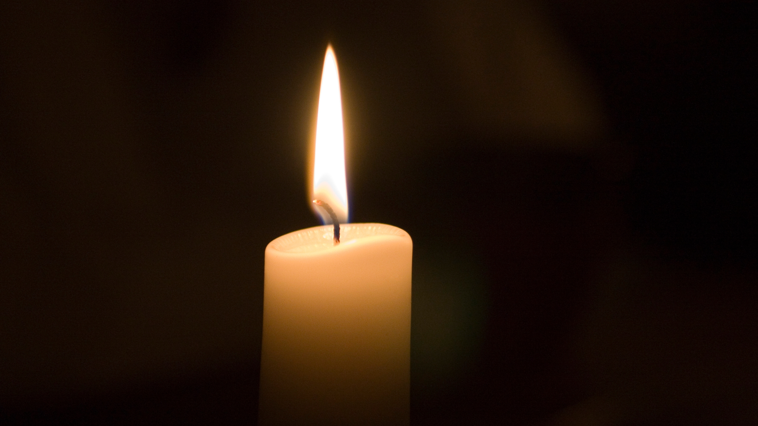 istock-candle_1521130336412.jpg