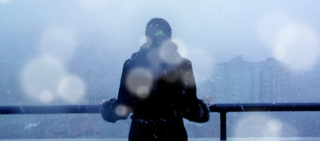 istock-wintry-weather-woman_1521138365931.jpg